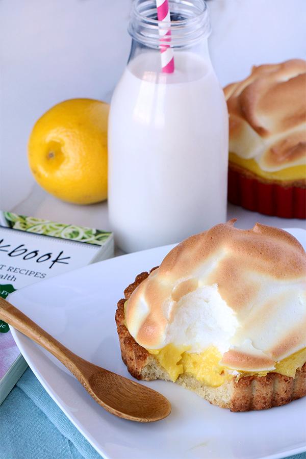 lemon meringue - keto friendly desserts