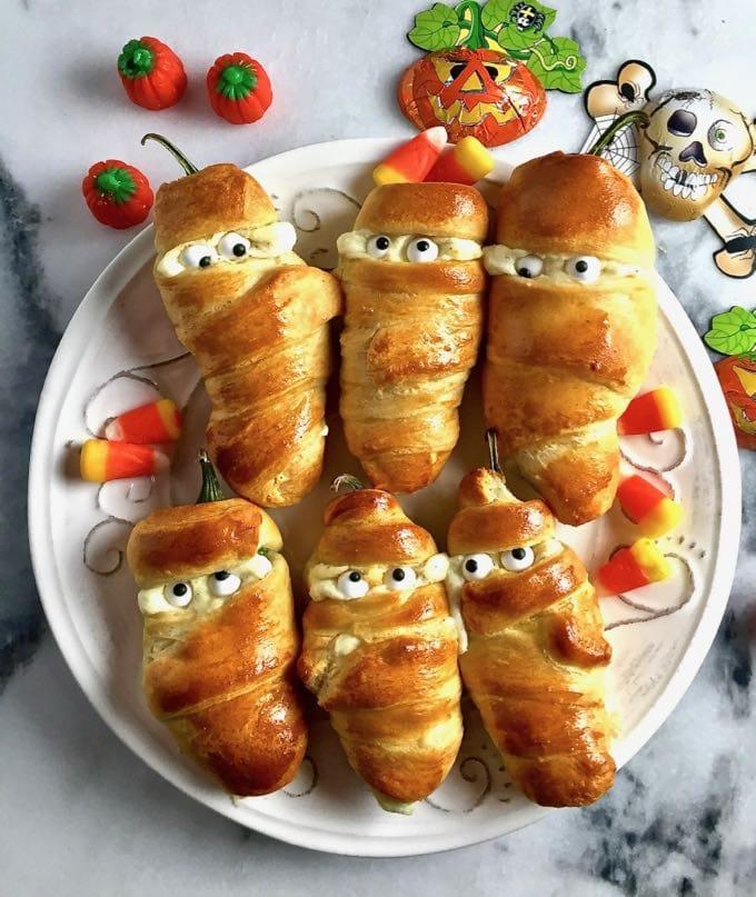 easy-halloween-jalapeno-mummies-