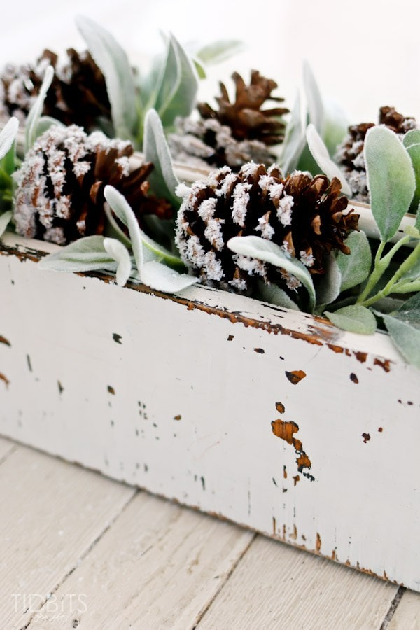 DIY-Snow-Covered-Pinecones