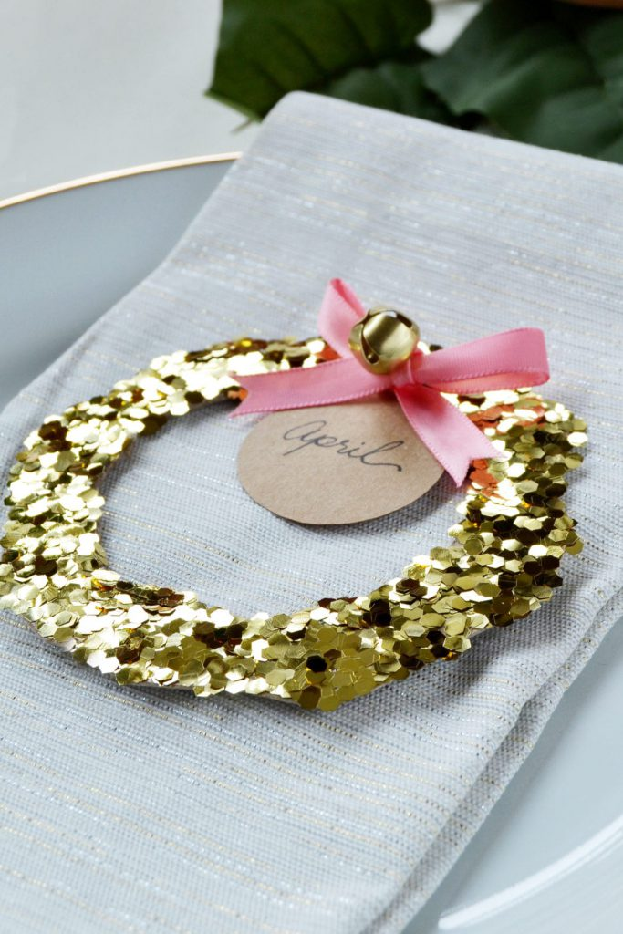 glitter-wreath-place-card