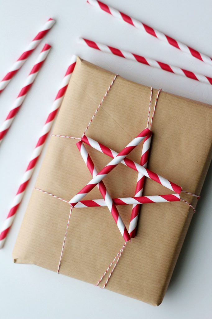 Star-Straws-gift-wrapping