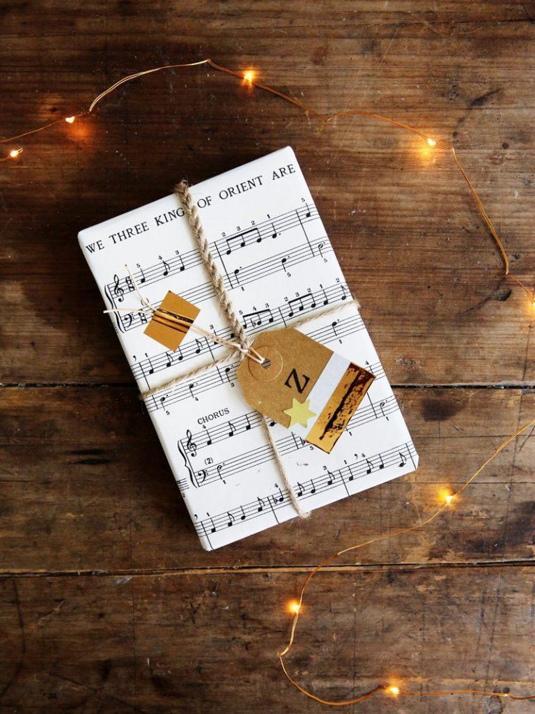 sheet-music-wrapping-idea