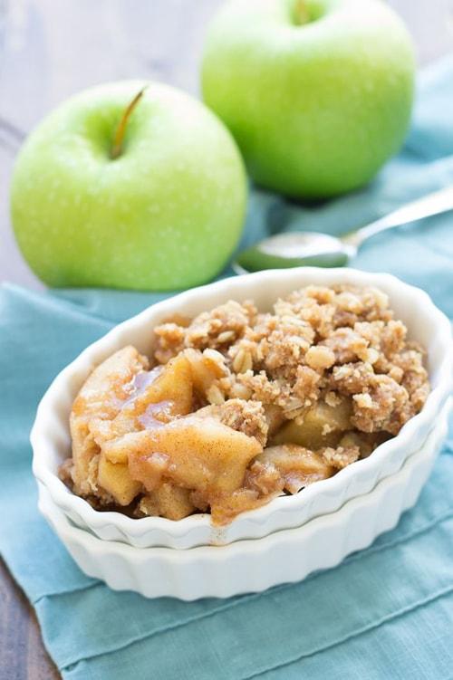 Easy Slow Cooker Desserts - Apple Crisp