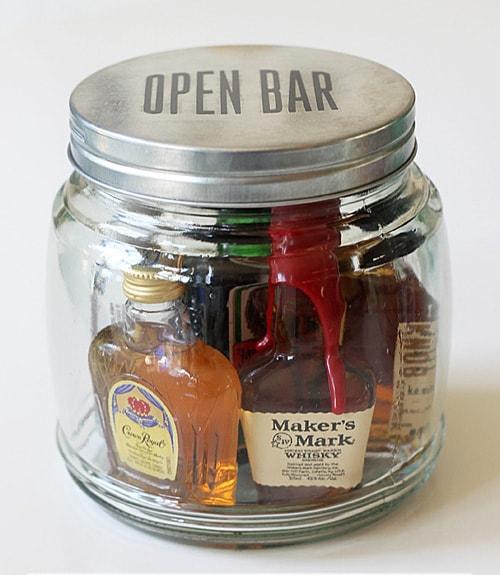 minibar-in-a-jar