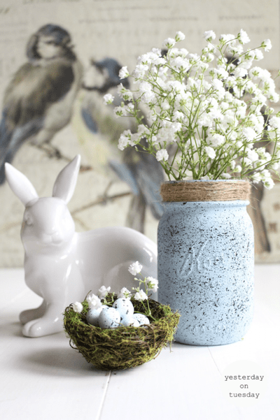 These Easter mason jar ideas are AWESOME for decorating and Easter gifts. Save it for later if you love mason jar crafts!