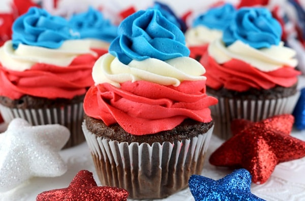4th of July Desserts - Patriotic Swirl Cupcakes