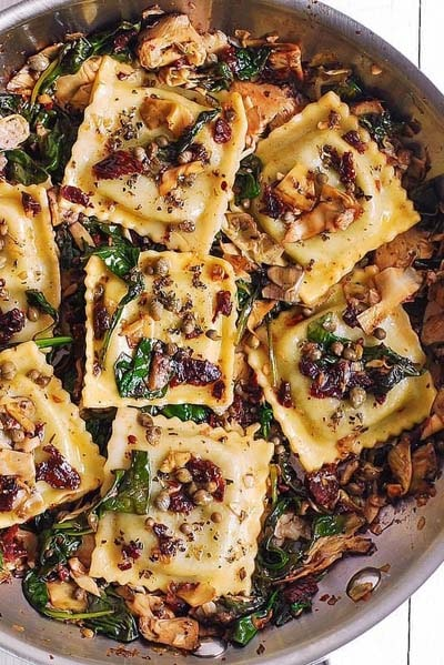 25 Pasta Recipes: Italian Ravioli With Spinach