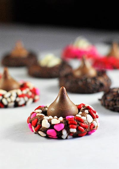 40 Valentine's Day Cookies: Chocolate Valentine Kiss Cookies