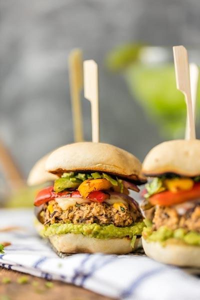 20 Slider Recipes: Hummus Fajita Black Bean Burger Sliders
