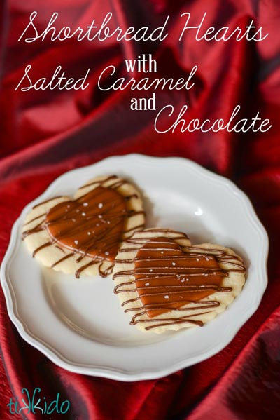 40 Valentine's Day Cookies: Shortbread Hearts With Salted Caramel And Chocolate