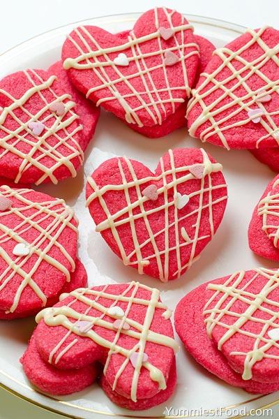 40 Valentine's Day Cookies: Valentine Shortbread Cookies