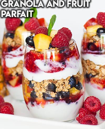 20 Fruit Recipes: Granola And Fruit Parfait