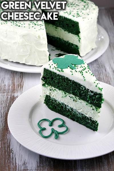 50 St. Patrick's Day Desserts: Käsekuchen aus grünem Samt