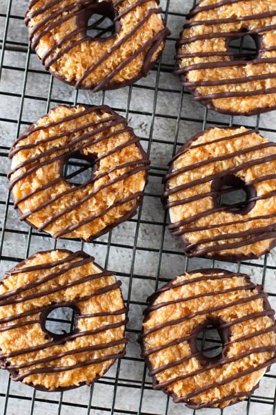 30 Vegan Cookie Recipes: Vegan Samoa Cookies
