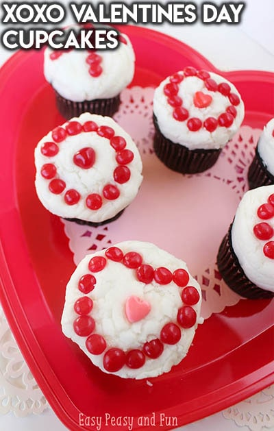 30 Valentines Day Cupcakes: XOXO Valentines Day Cupcakes