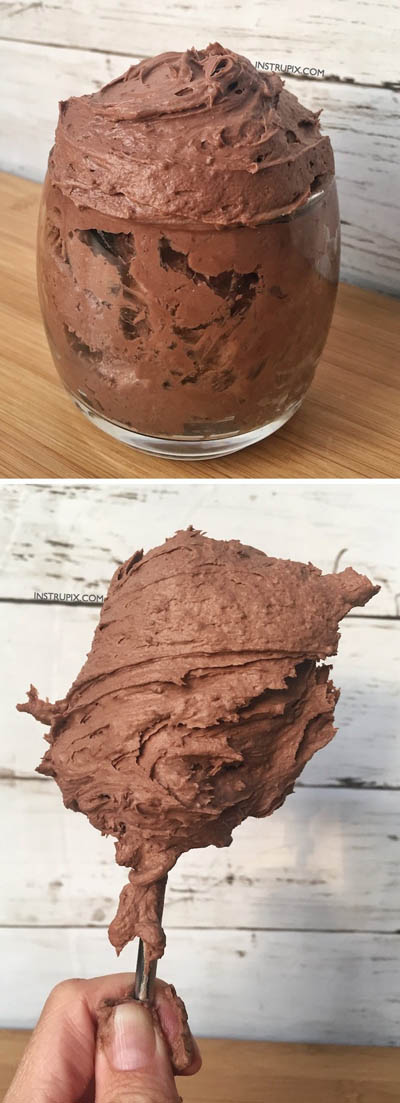 10 Easy 2 Ingredient Desserts: Easy Chocolate Mousse