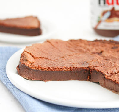 10 Easy 2 Ingredient Desserts: Flourless Nutella Cake